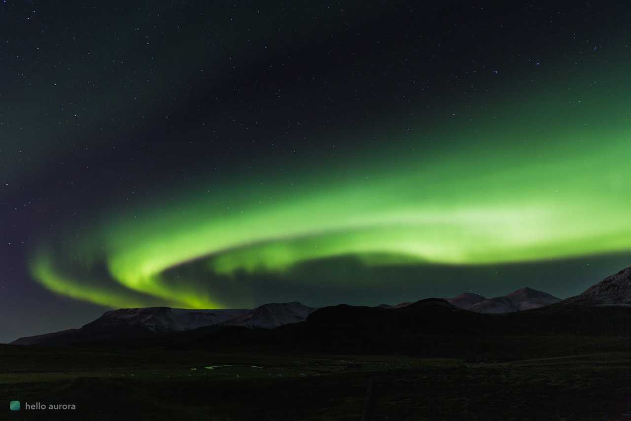 How to Take Pictures of the Northern Lights with a Smartphone's cover picture