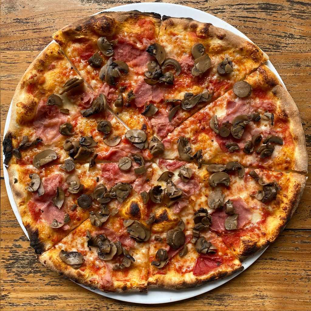 pizza: cotto e funghi