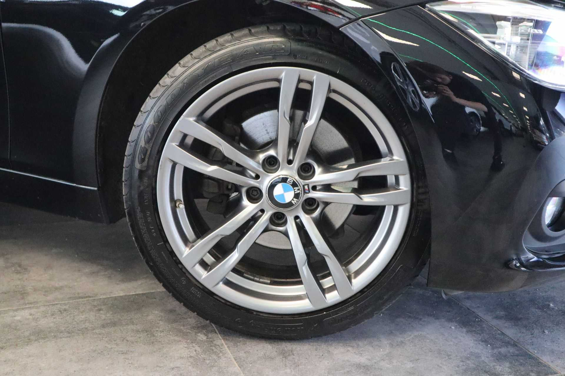 """BMW 3 Serie 330e M Sport Full Led Navigatie Clima Cruise 18""""LM afbeelding 10"""