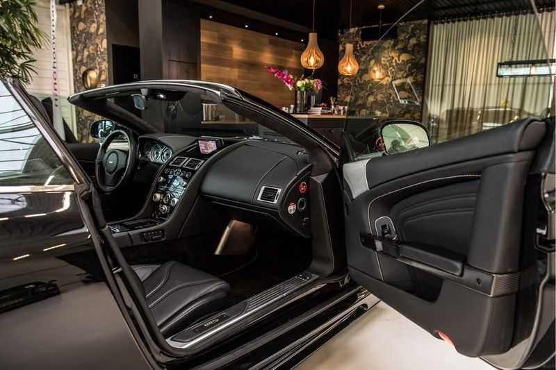 Aston Martin DBS Volante 6.0 V12 Black Carbon Edition afbeelding 19