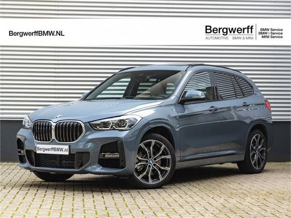 BMW X1 xDrive20i High Executive - M-Sport - Memoryzetel - Trekhaak - Panorama
