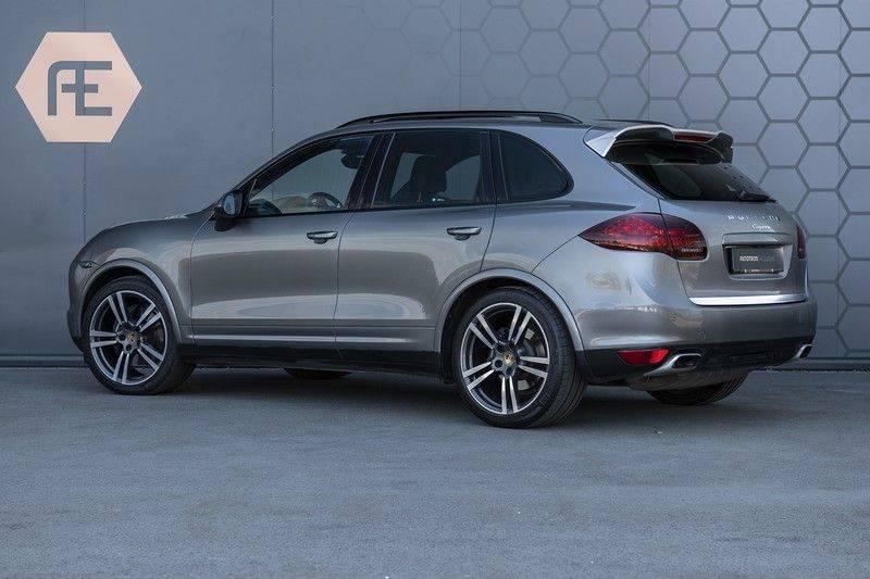 Porsche Cayenne 3.0 D Platinum Edition Org. Ned. + Dealer onderhouden + Sportchrono + Stuur/ Stoel verwarming+ Stoel koeling + Bose afbeelding 3