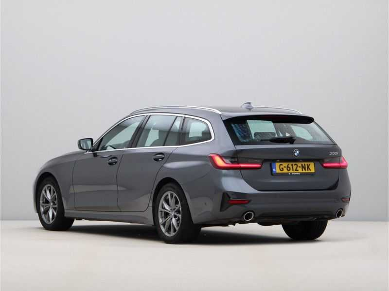 BMW 3 Serie Touring 330i Executive Edition afbeelding 7