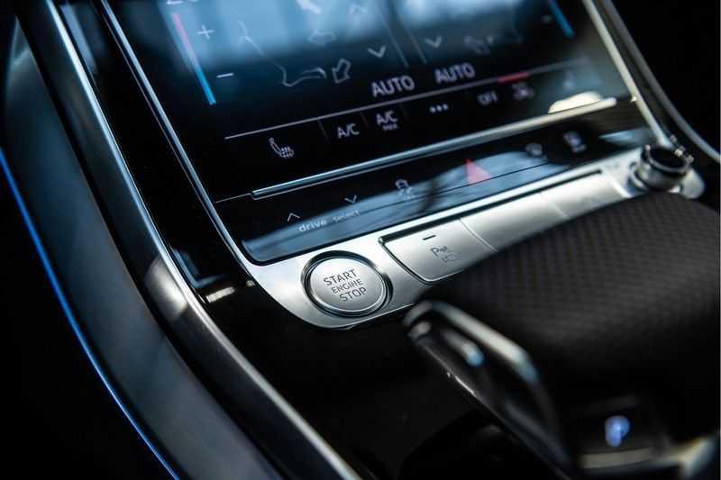 Audi Q8 55 TFSI quattro 3x S-line | PANO | 4 wielsturing | Tour | Trekhaak | Matrix LED | afbeelding 24