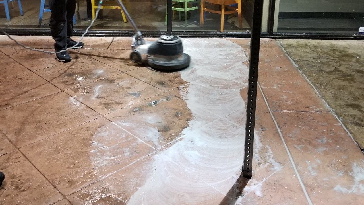 pressure-washing-cafe-rio-storefront-and-siding--cleaning-06