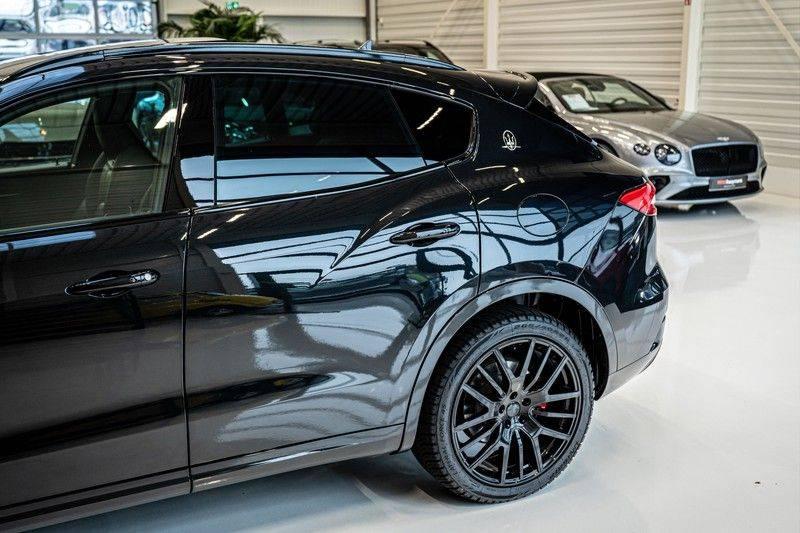 Maserati Levante 3.0 V6 D AWD | BTW | Black pack | Pano | Rood sticksel | Harman Kardon | Voertuigvolgsysteem | Nieuwe onderhoudsbeurt | afbeelding 9