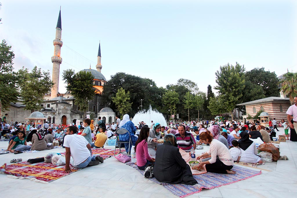 People waiting for Iftar