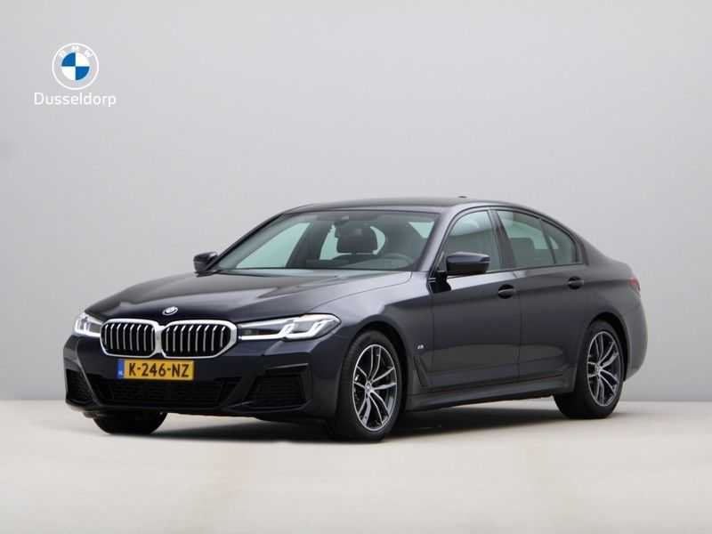 BMW 5 Serie 520i High Exe M-Sport Aut. afbeelding 1