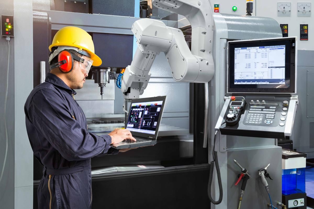 Accruent - Resources - Webinars - How Smart Factories & Digital Plant Solutions are Transforming the Workplace - Hero