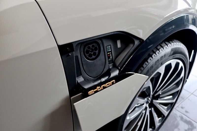 Audi e-tron 55 Quattro Advanced Pro 2X S-Line HUD Siambeig EX BTW afbeelding 4