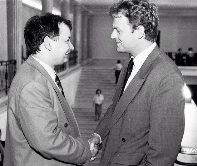 Jarosław Kaczyński kiedyś pozostawał w serdecznych relacjach z Donaldem Tuskiem. Panowie się znają ponad trzydzieści lat. - Fotonova/Tomasz Wierzejski