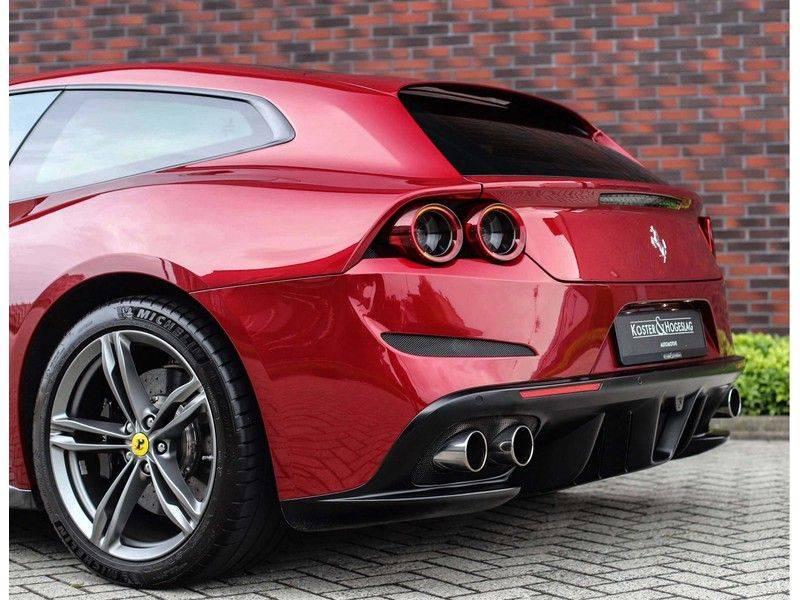 Ferrari GTC4 6.3 V12 Lusso *Panoramadak*passagiers display* afbeelding 19