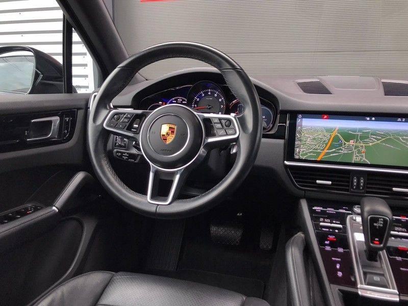 Porsche Cayenne 3.0 340PK, Pano, Luchtvering, 360* Camera, Keyless, Soft-Close, Lane Assist, PDLS, PASM, Trekhaak, 21INCH, BTW! afbeelding 12