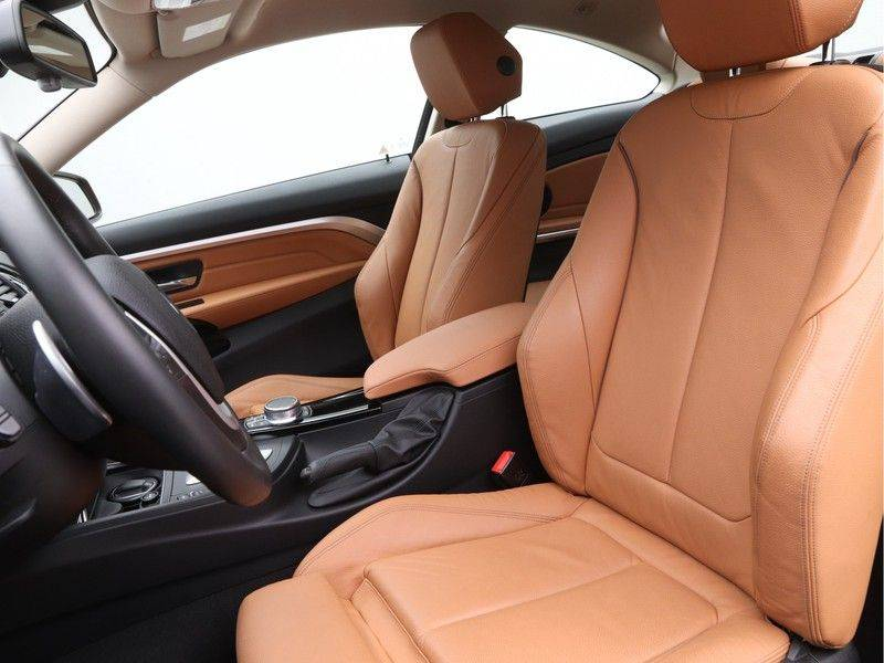 BMW 4 Serie Coupé 435d xDrive High Executive Model Sportline afbeelding 5