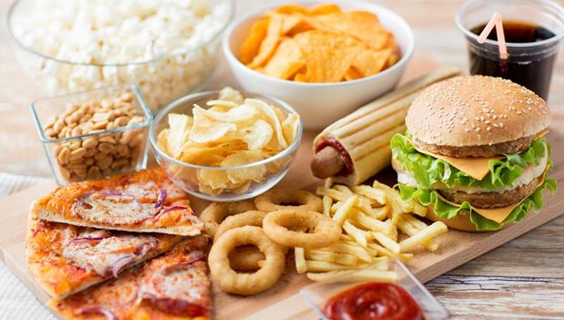 Imagem em destaque para o artigo: Vai comer fora? Dicas para gerar menos lixo no dia a dia