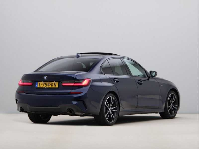 BMW 3 Serie 320i Exe M-Sport Aut. afbeelding 6