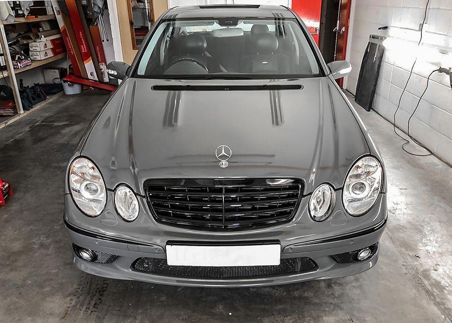 Mercedes E55 AMG vinyl wrapped in nardo grey