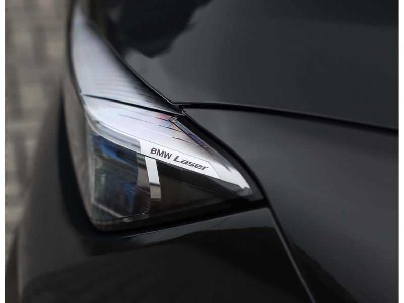 BMW 7 Serie M760Li xDrive *Dravit grey*Executive seats*Sky Lounge*Full option* afbeelding 14