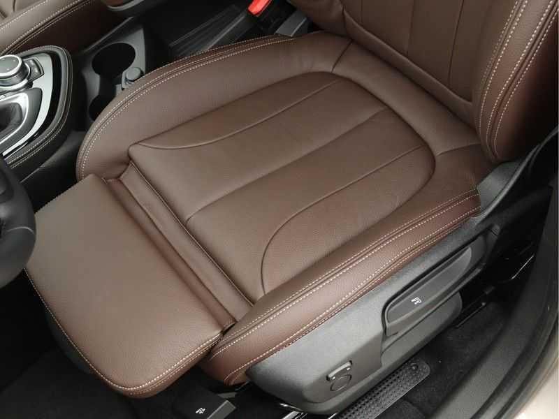 BMW 2 Serie Active Tourer 218i High Executive Luxury Line Panoramadak afbeelding 16