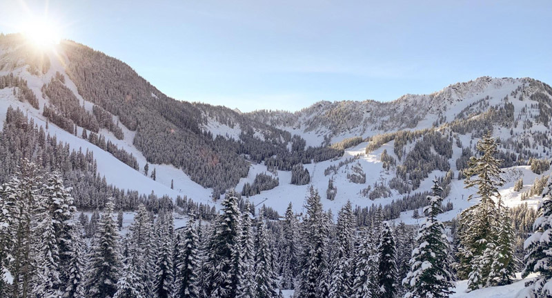 Majestic view of the Pacific Northwest mountian range covered in snow