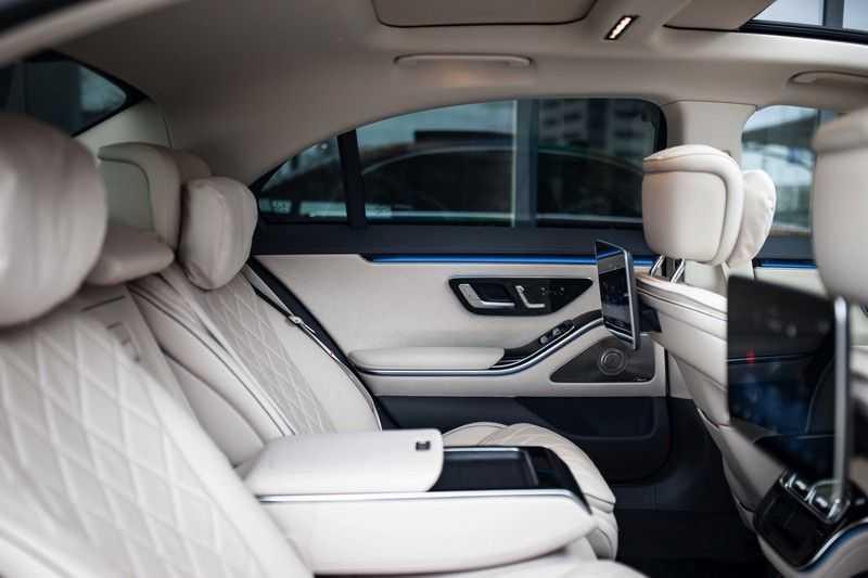 "Mercedes-Benz S-Klasse 500 4Matic Lang AMG *Pano / 3D Burmester / HUD / Distronic / 21"" / 3D Display* afbeelding 2"