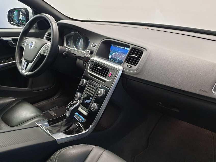 "Volvo V60 2.4 D6 Twin Engine Summum EX BTW Blis Xenon Opendak Navi AD Cruise 18""LM afbeelding 4"