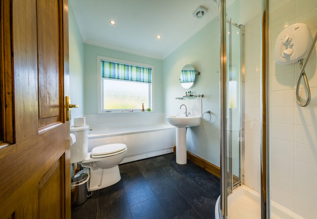 Fingal Cottage Bathroom