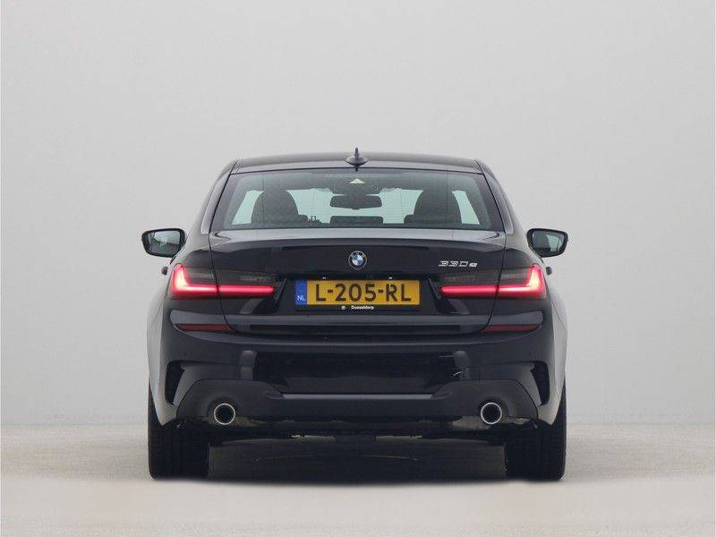 BMW 3 Serie Sedan 330e High Executive M-Sport Automaat afbeelding 10