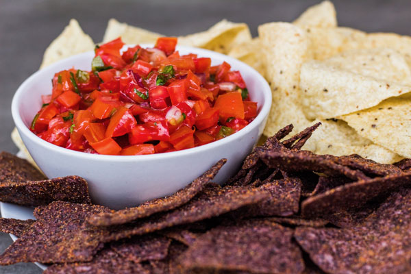 Keep-ya-coming back chunky tomato salsa