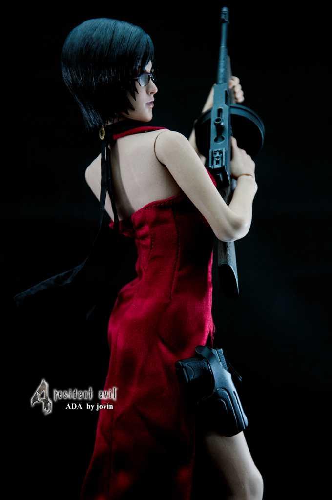 Hot Toys - VGM16 - Biohazard 4 HD: 1/6th scale Ada Wong