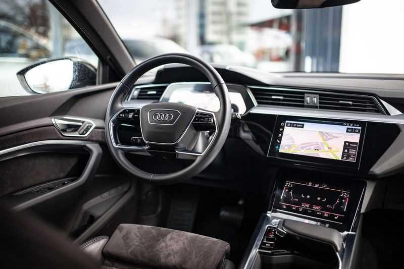 "Audi e-tron 55 Quattro *4% Bijtelling / Hulppakket Stad & Tour / 22"" / Topview* afbeelding 12"