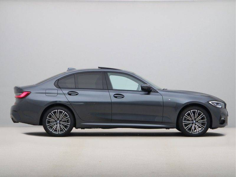 BMW 3 Serie 320e High Exe M-Sport Aut. Hybrid afbeelding 8