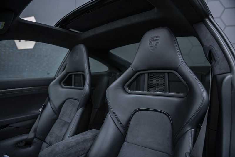 Porsche 911 Turbo S 991.2 3.8 Carbon seats + Keramisch + 4-wiel best. + NP € 331.000,- + Dak + Carbon + Bose + Carplay + ACC afbeelding 9