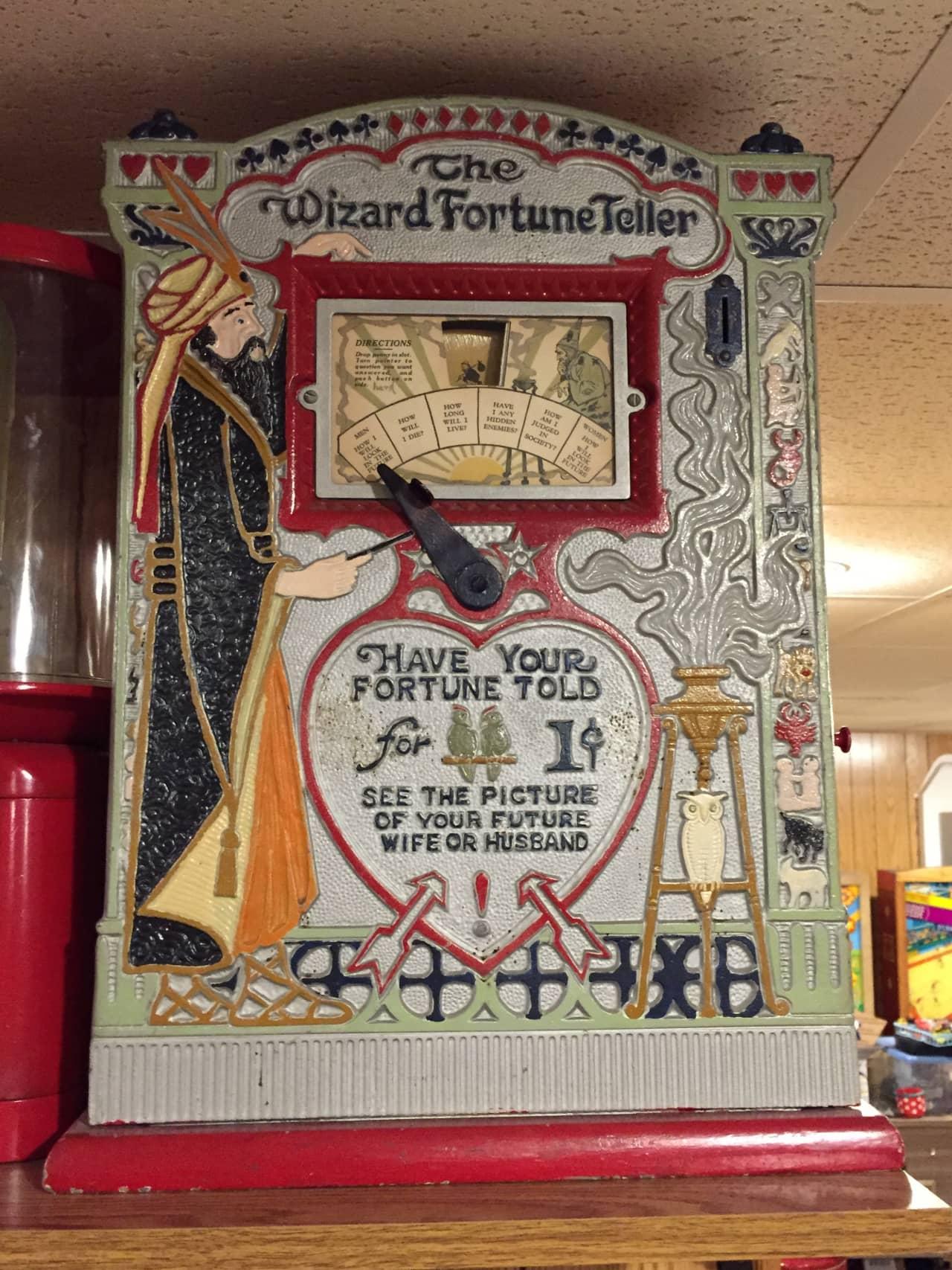 Mills 'The Wizard' Fortune Teller