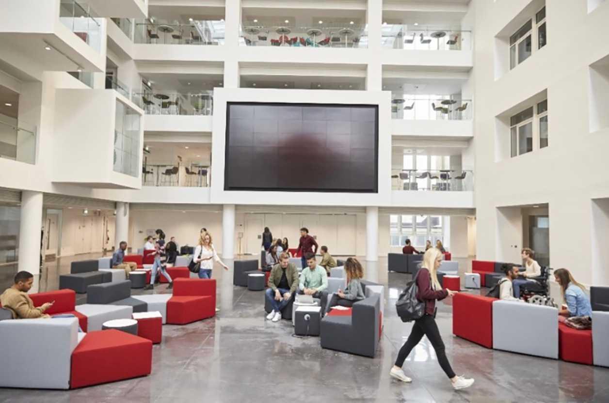 Accruent - Solutions - Higher Education Space & Resource Scheduling - Hero