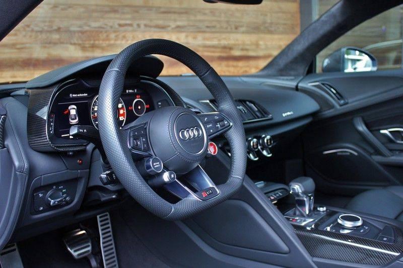 Audi R8 5.2 V10 Performance Quattro 620pk **Keramisch/B&O/Carbon/DAB/Camera** afbeelding 24