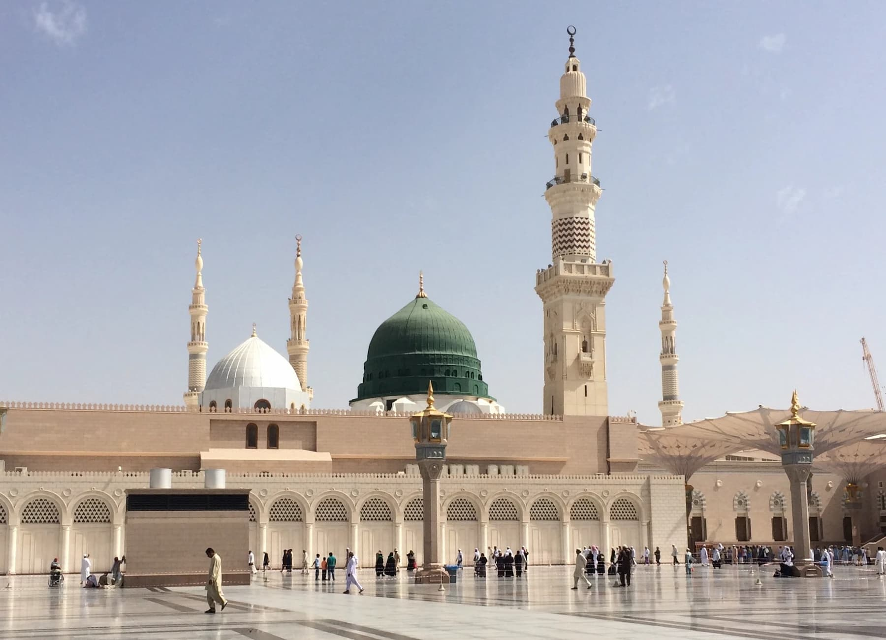 The Mosque of Our Beloved, Our Prophet - Allah's prayers and peace upon him and his family and companions!