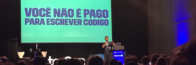 Na imagem, Paulo Silveira e a mensagem: você não é pago para escrever código