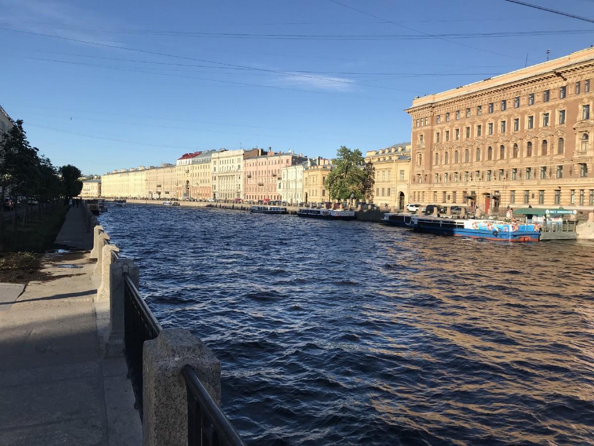 The historic center resembles Venice.