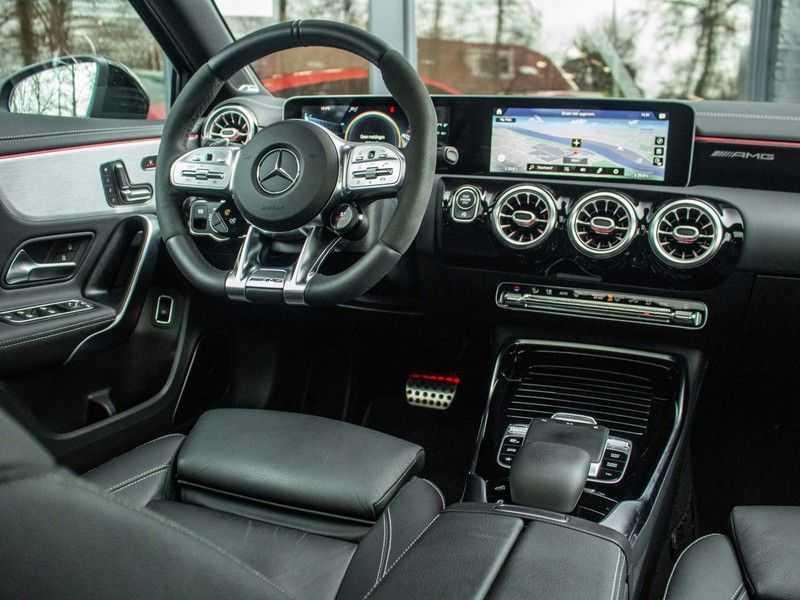 Mercedes-Benz A-Klasse A35 AMG 4MATIC Premium Plus afbeelding 15