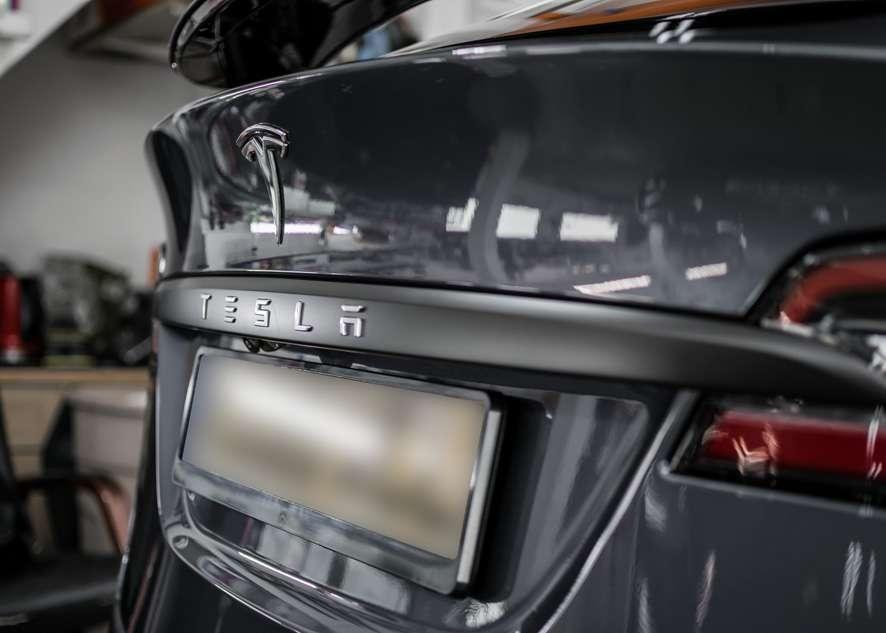 Tesla Model X image