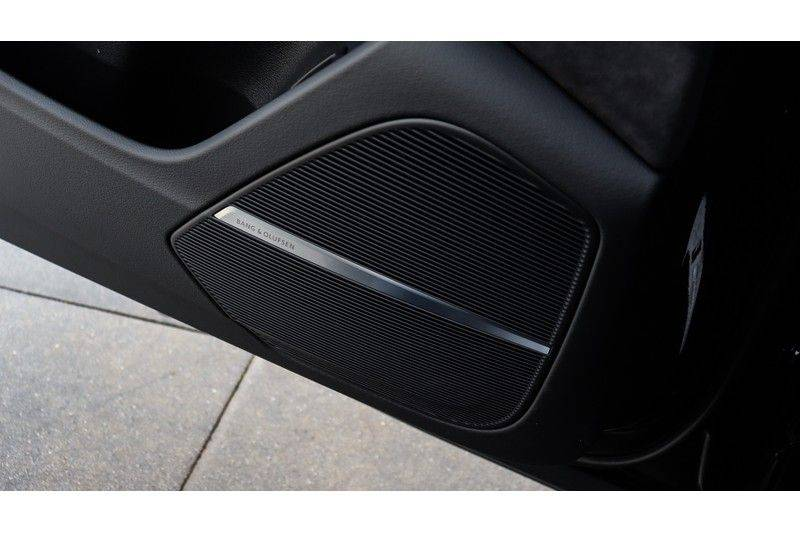 Audi RS Q8 4.0 TFSI Quattro RS Dynamic Plus, B&O, Keramisch, Panoramadak afbeelding 15