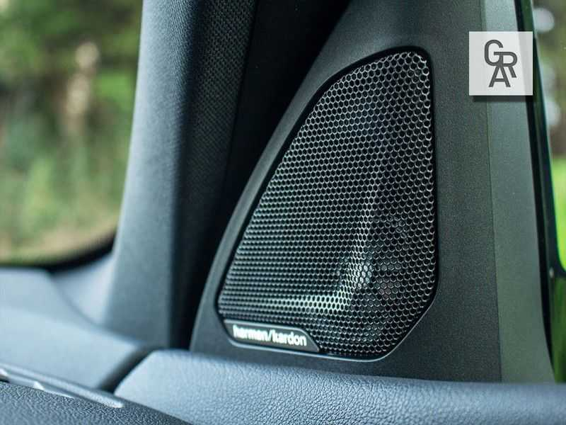 BMW 1 Serie M135i xDrive High Executive afbeelding 21
