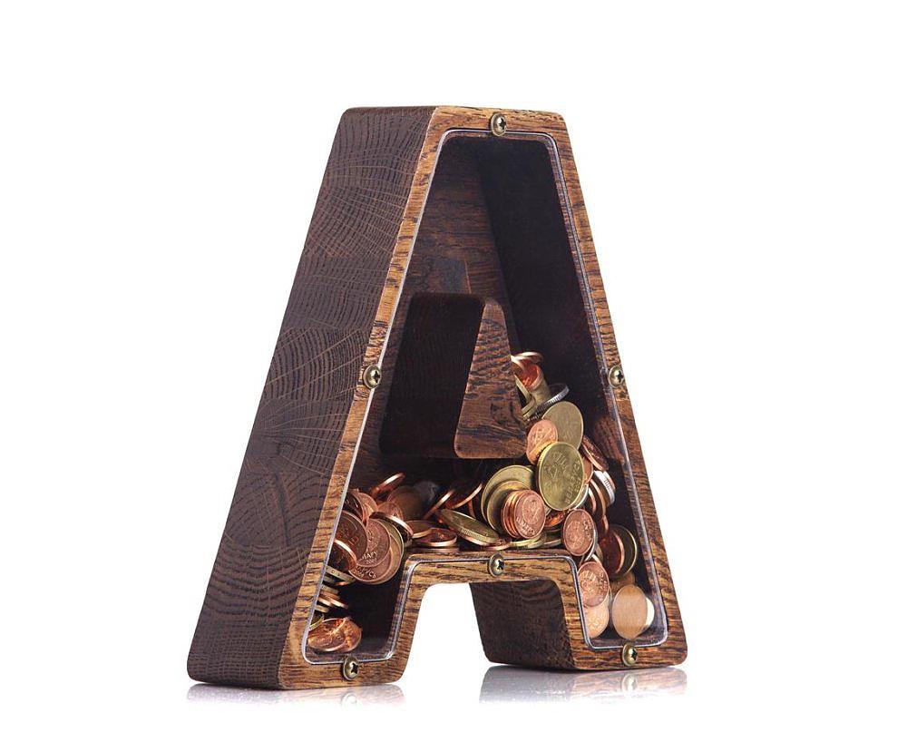 Wooden Piggibank 1-woodPiggyBank.jpg