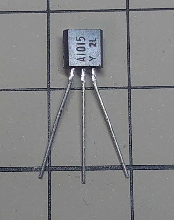 PNPトランジスタ 2SA1015-Y