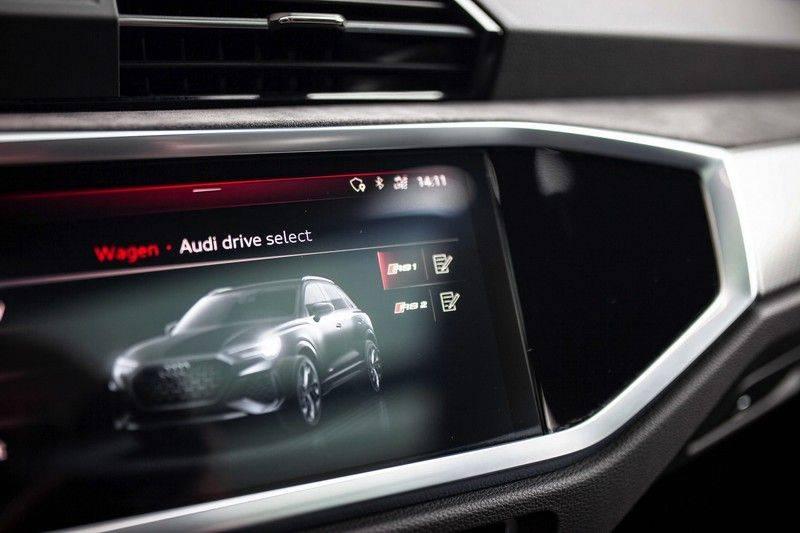 Audi RS Q3 2.5 TFSI Quattro *B&O / Pano / ACC / RS Sportstoelen / Sportuitlaat / Trekhaak* afbeelding 12