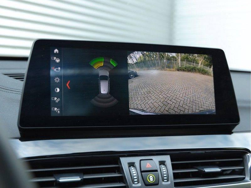BMW X1 xDrive20i High Executive - Memoryzetel - Panorama - Trekhaak - Harman Kardon afbeelding 24