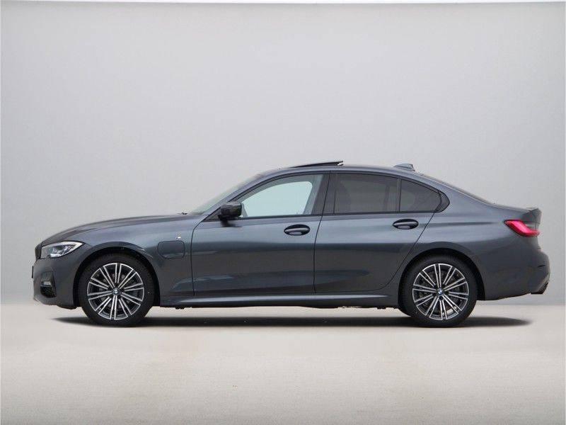 BMW 3 Serie 320e High Exe M-Sport Aut. Hybrid afbeelding 12