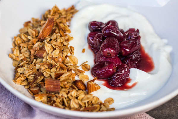 Super Simple Vanilla Almond Granola