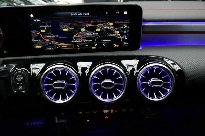 Mercedes-Benz CLA-Klasse 200 d /// AMG Edition 1 Nightpakket - Sfeer verlichting afbeelding 19